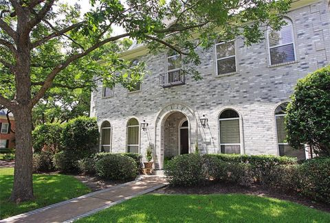 Photo of 4908 Fern St, Bellaire, TX 77401