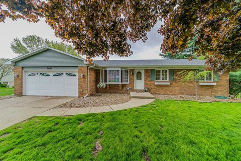 Photo of 23040 Acacia Pl, South Bend, IN 46628