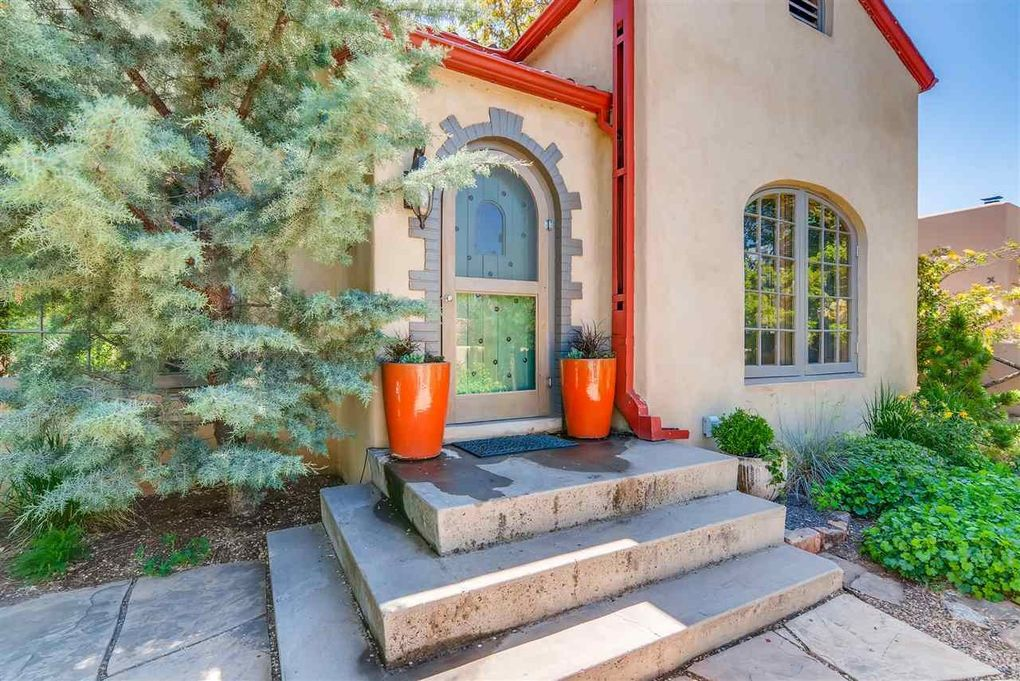 843 Don Cubero Ave, Santa Fe, NM 87505