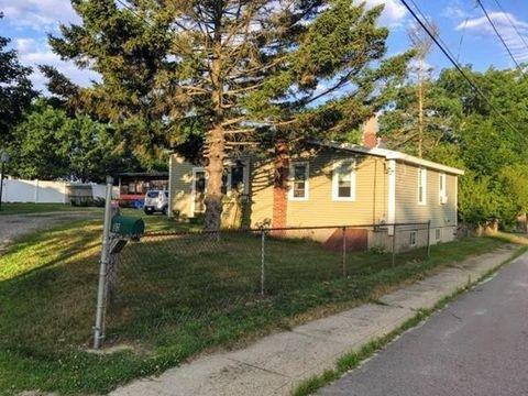 30 Montcalm Ave, Blackstone, MA 01504