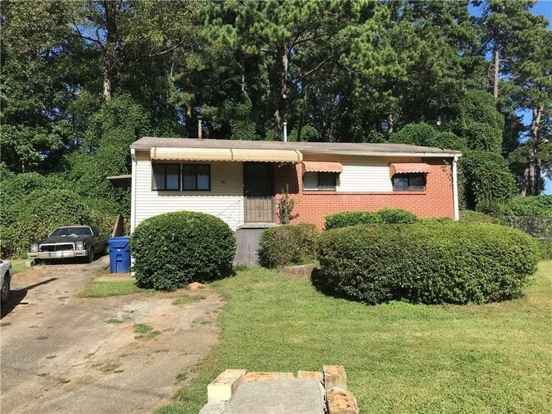 1571 Deauville Ct Nw, Atlanta, GA 30318