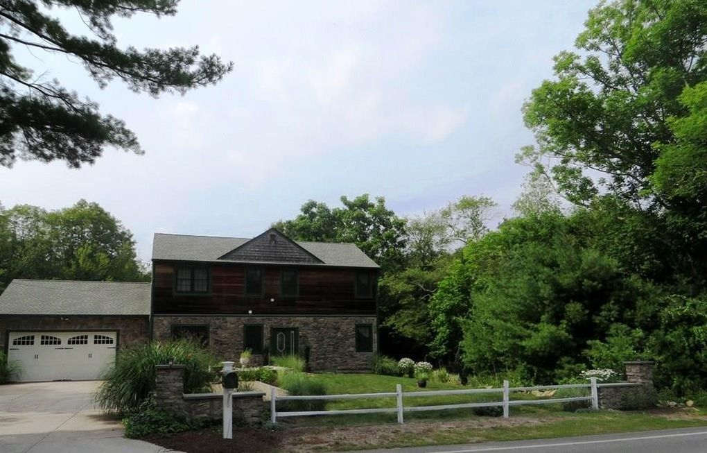 1341 Middle Rd East Greenwich, RI 02818