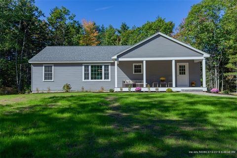 Photo of 22 Triple Leaf Ln, Boothbay, ME 04537