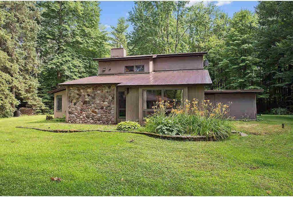 N9155 Big Lake Rd, Gresham, WI 54128 - realtor.com®