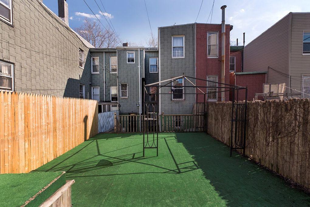 57 Devoe St Unit Th2, Brooklyn, NY 11211