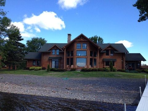 392 Point Au Fer Rd, Champlain, NY 12919