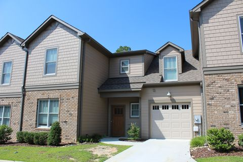 147 Pine Branch Ct, Southern Pines, NC 28387