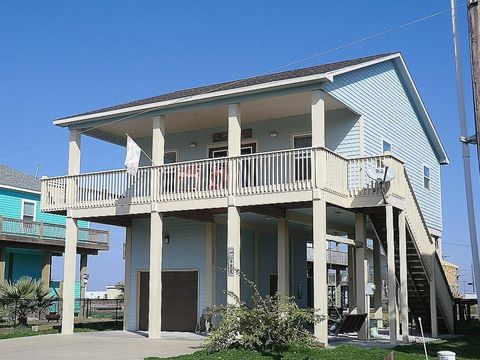 Photo of 982 Biscayne St, Crystal Beach, TX 77650