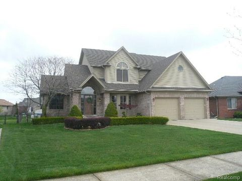 chesterfield mi houses for sale with swimming pool