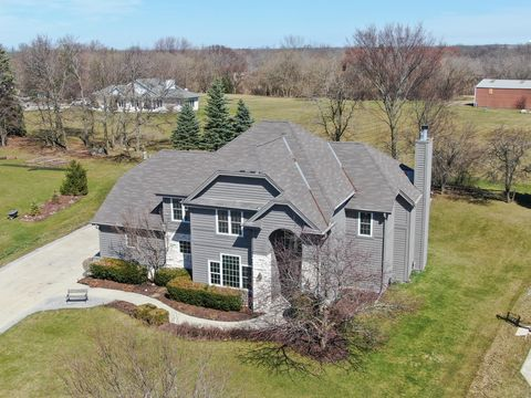 Photo of 4420 S Mary Ln, New Berlin, WI 53151