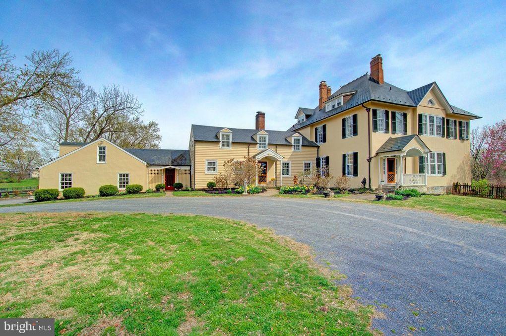 388 Mount Airy Farm Ln, Millwood, VA 22646