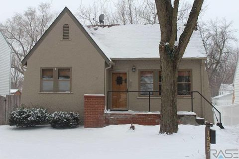 Photo of 1905 S 5th Ave, Sioux Falls, SD 57105