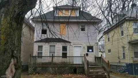 Photo of 970 W 5th St, Plainfield, NJ 07063