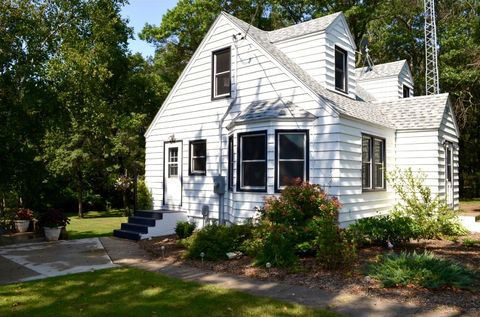1689 Mississippi Shores Rd, Fort Ripley, MN 56449