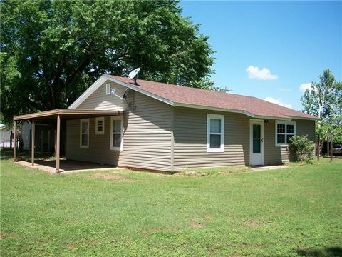 Photo of 208 N Main St, Carney, OK 74832