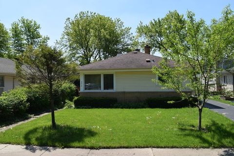 2913 Oakton St, Park Ridge, IL 60068