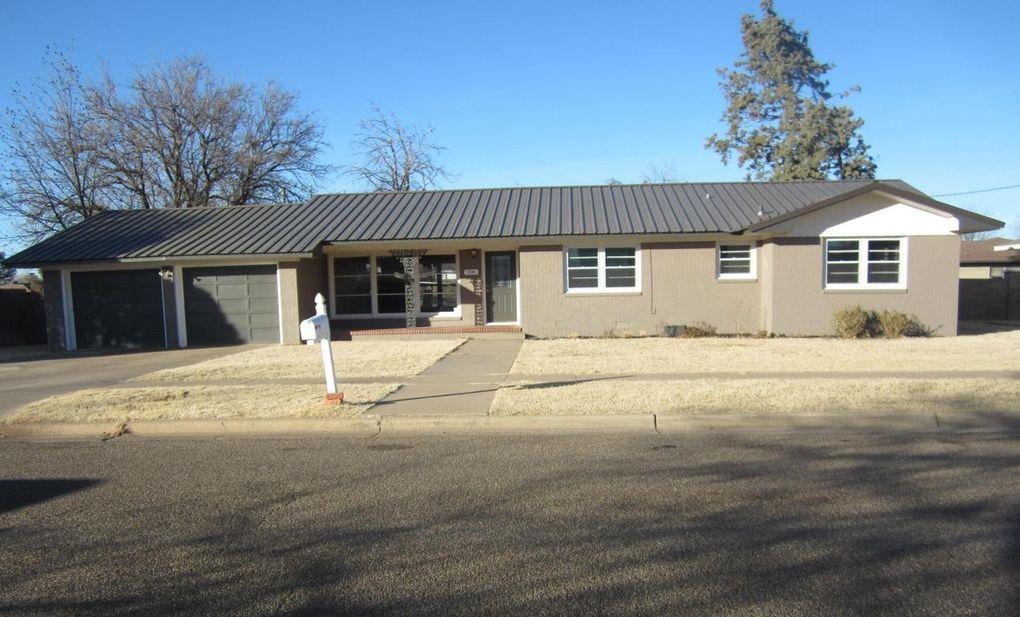 2204 W 12th St, Plainview, TX 79072
