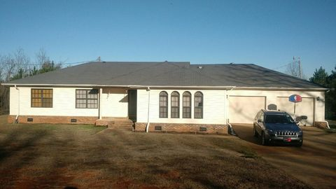 675 S Martin Luther King Dr, Pontotoc, MS 38863
