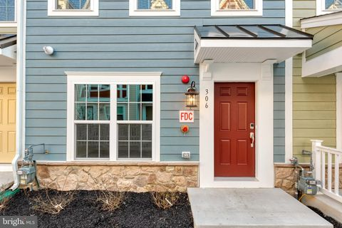 Photo of 306 Davage Ln, Towson, MD 21286