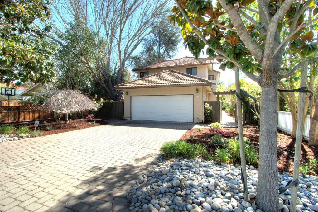 56 Walnut Ave, Atherton, CA 94027