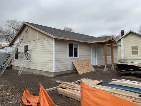 Photo of 435 10th St N, Vale, OR 97918