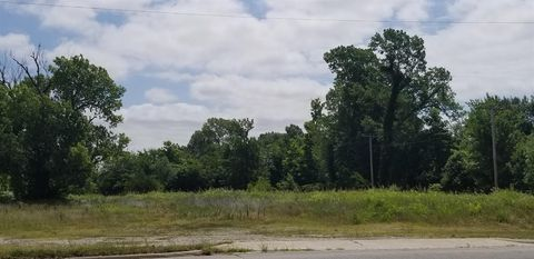Northeast Ave, Columbus, KS 66725
