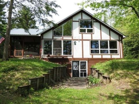 1016 Circle Lily Rd W, Manitowish Waters, WI 54545
