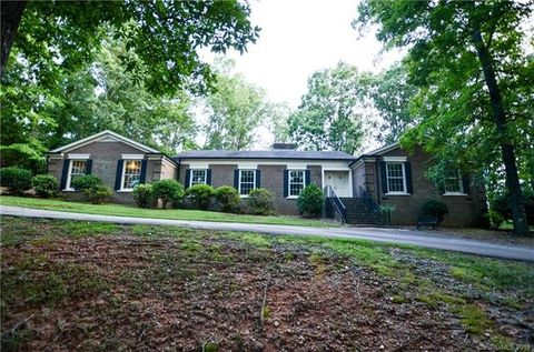 117 Lennox Dr, Wadesboro, NC 28170