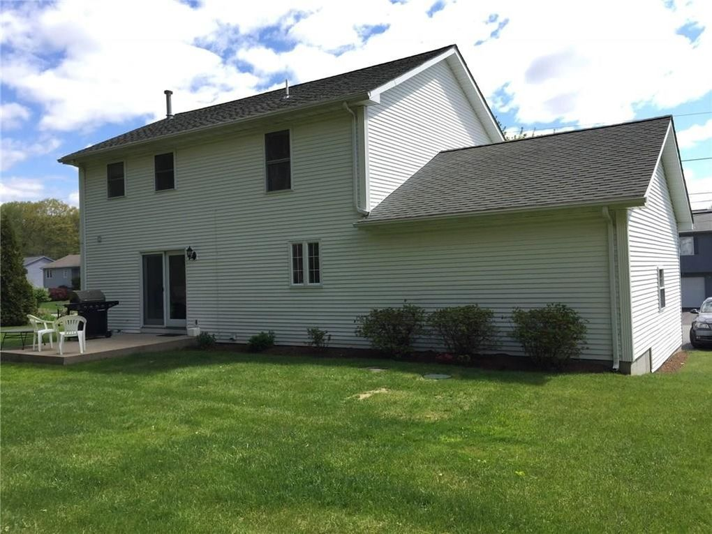 180 Mohawk Trl, Cranston, RI 02921