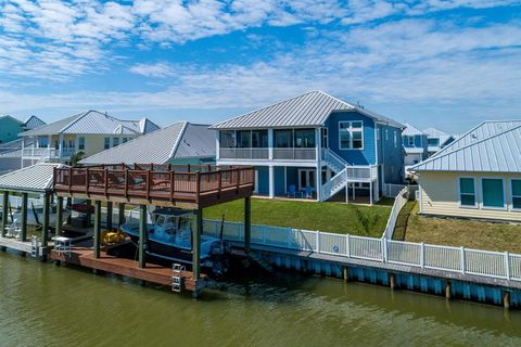 Super Waterfront Homes For Sale In Texas City Tx Realtor Com Home Interior And Landscaping Ymoonbapapsignezvosmurscom