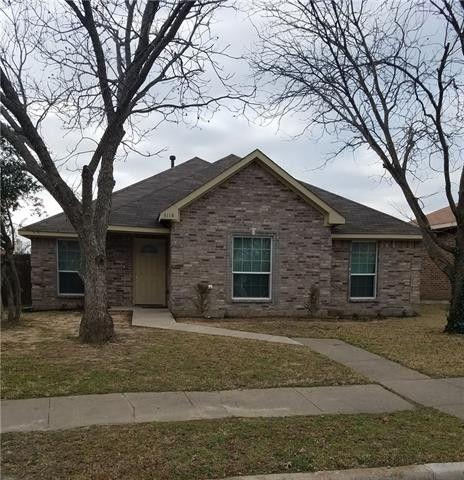 Photo of 3118 Lois Ln, Rowlett, TX 75088