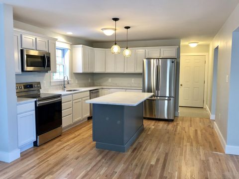 4 Greystone Dr, Old Orchard Beach, ME 04064