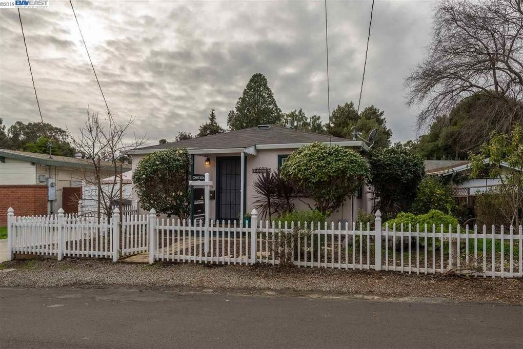 22377 N 4th St, Castro Valley, CA 94546