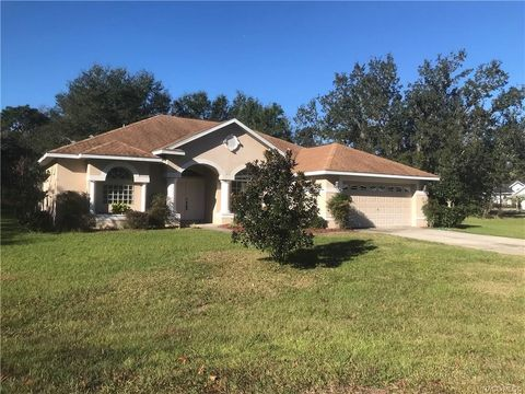 Photo of 2 Woodlee Ct S, Homosassa, FL 34446