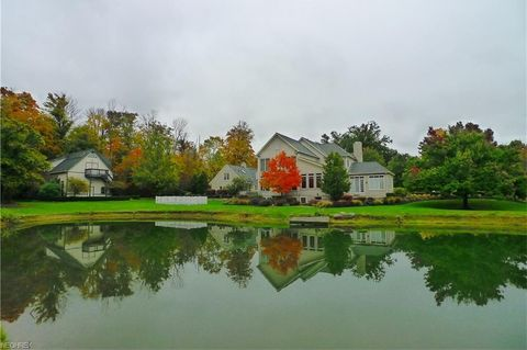 15404 Hemlock Point Rd, Russell, OH 44022