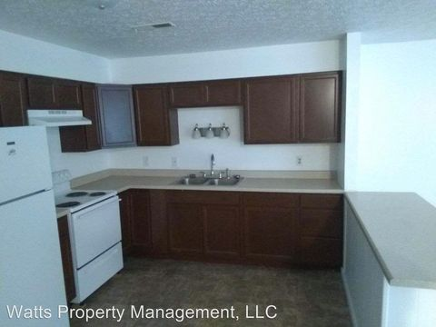 Photo of 106 Daniel St Apt A, Brookneal, VA 24528
