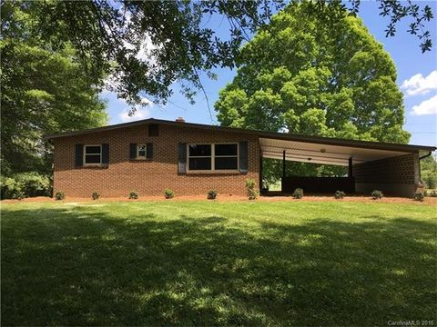 1138 Cleveland Ave, Grover, NC 28073