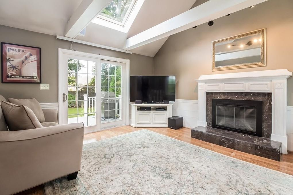 61 Kenwood Dr, Plymouth, MA 02360