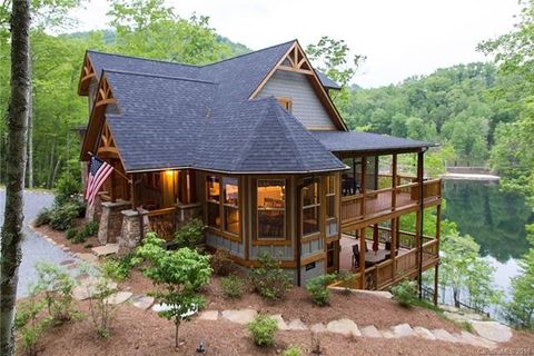 Photo of 98 Eagle Watch Dr, Tuckasegee, NC 28783