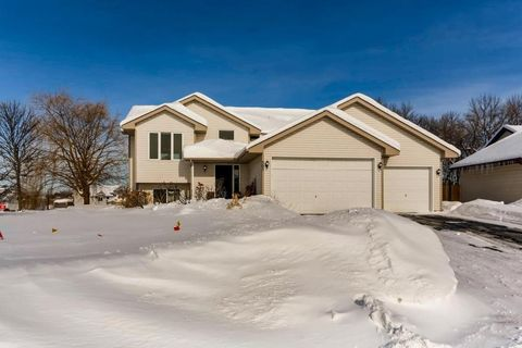 Photo of 505 Emerson Ct, Montrose, MN 55363