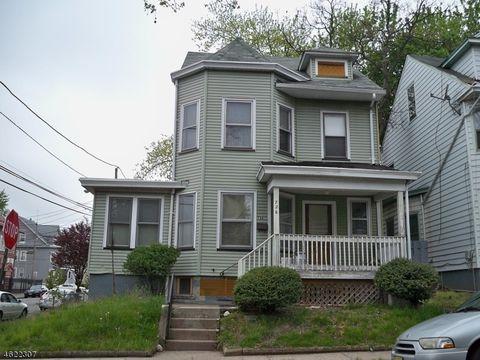 726 E 27th St, Paterson, NJ 07504