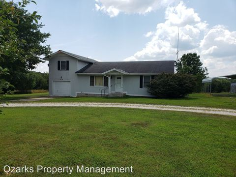 Photo of 419 Amaryllis Rd, Kirbyville, MO 65679