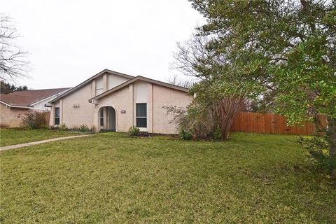 3428 Fontaine St, Plano, TX 75075