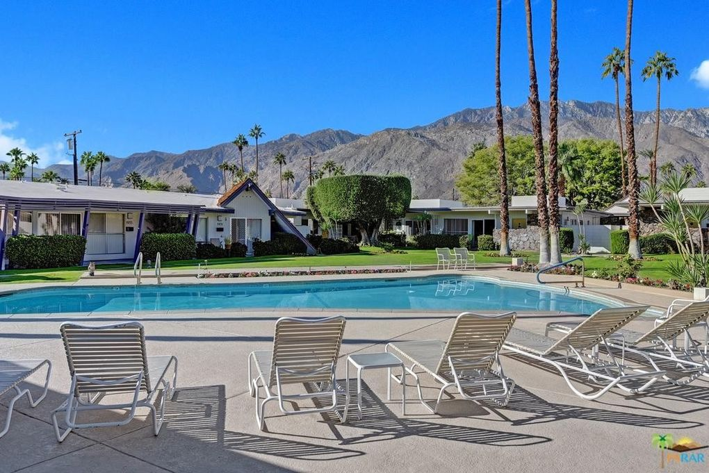1943 E Tachevah Dr Palm Springs, CA 92262