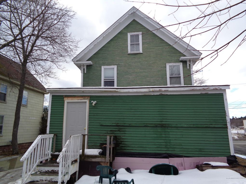 283 Center St, Old Town, ME 04468