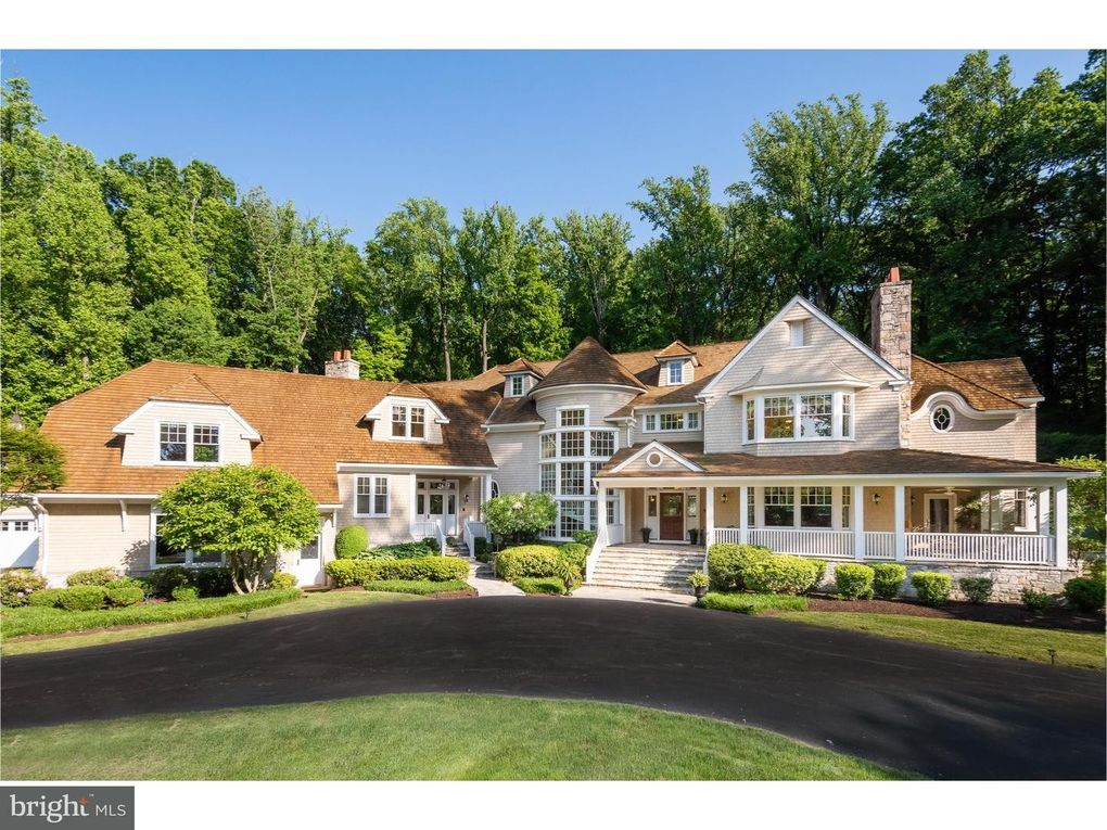 Delicieux 36 Eastwick Dr, Malvern, PA 19355