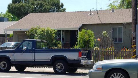 Photo of 842 Eleanor Ave, Sacramento, CA 95815