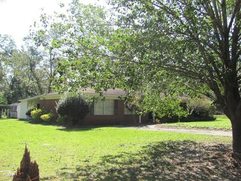 Photo of 12 Park Ln, Hazlehurst, GA 31539