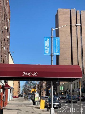 Photo of 2440 Amsterdam Ave Apt 5 M, New York, NY 10033