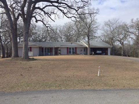 81 Sammy Snead Ln, Hilltop Lakes, TX 77871
